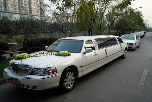 捷顺商务服务是便宜的成都婚庆租车服务公司 具有品牌的成都婚庆租车