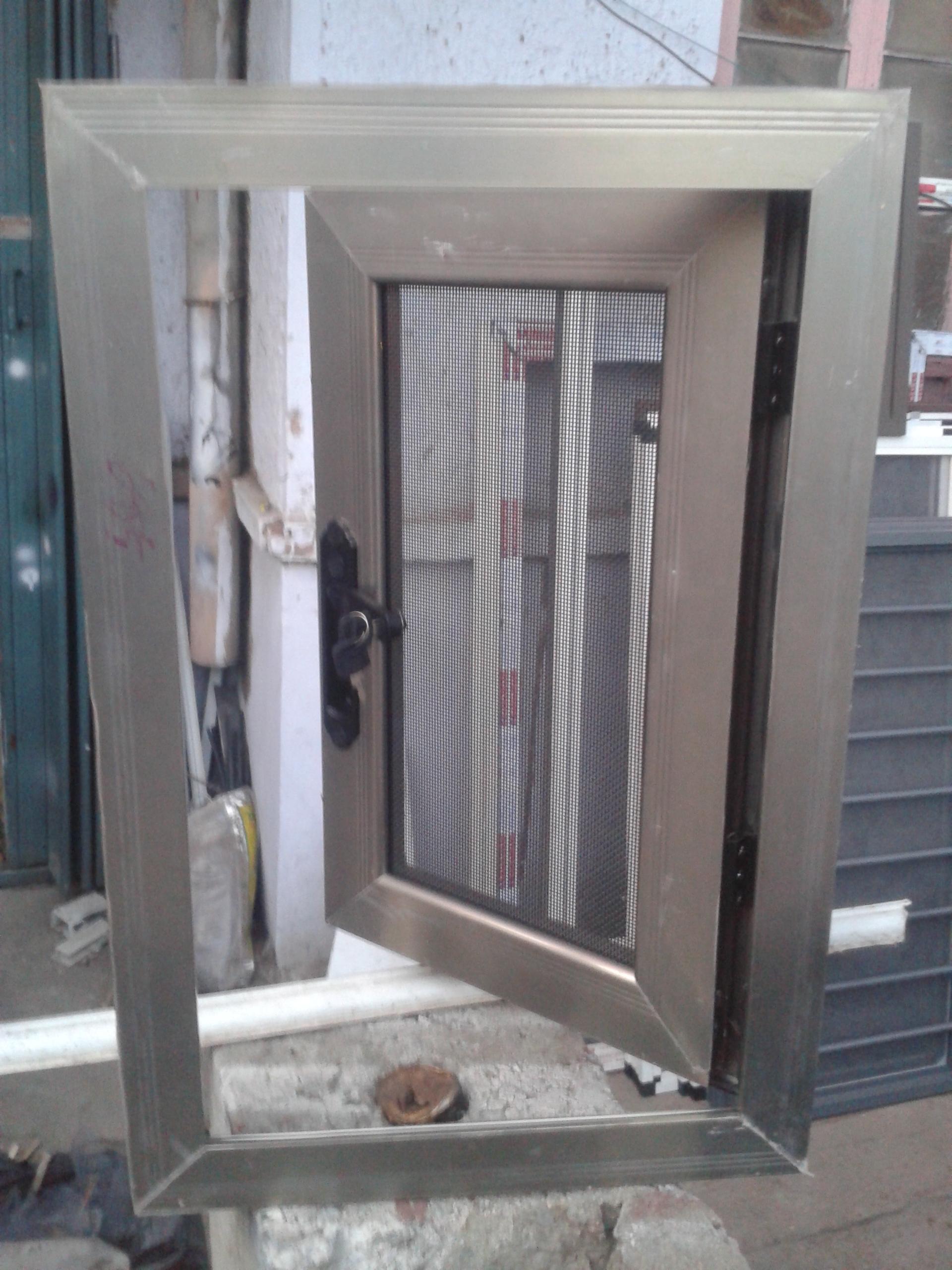 在哪能買到品質好的金剛網防盜紗窗,廠家加工防盜紗窗