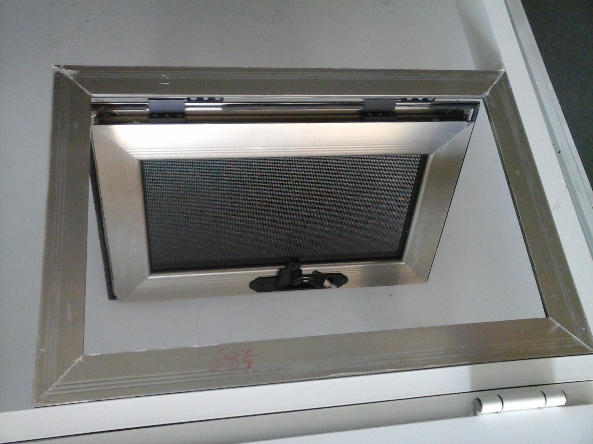 金刚网防盗窗供应 买质量好的烟台金刚网防盗窗优选东阿门窗厂