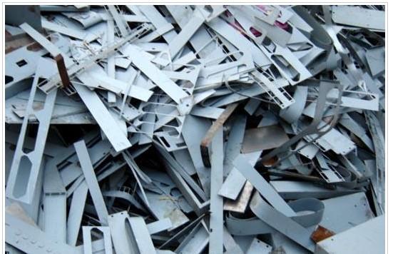 宁波废铁回收行情-北仑废铁面包车回收