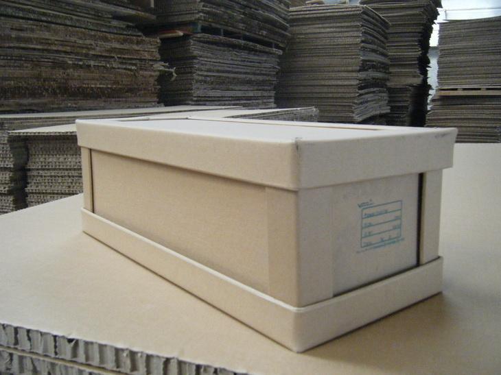 耐用的蜂窝纸箱