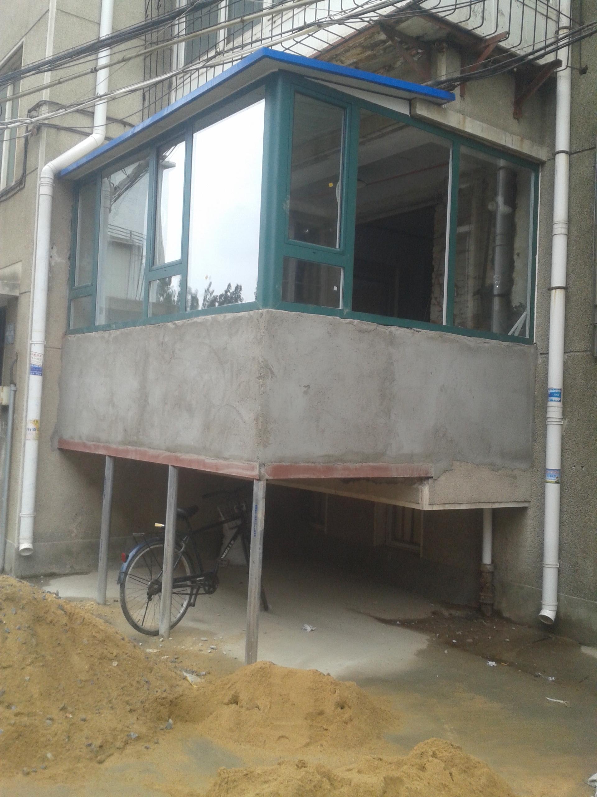 烟台哪有供应高质量的烟台门窗 烟台断桥铝包阳台门窗