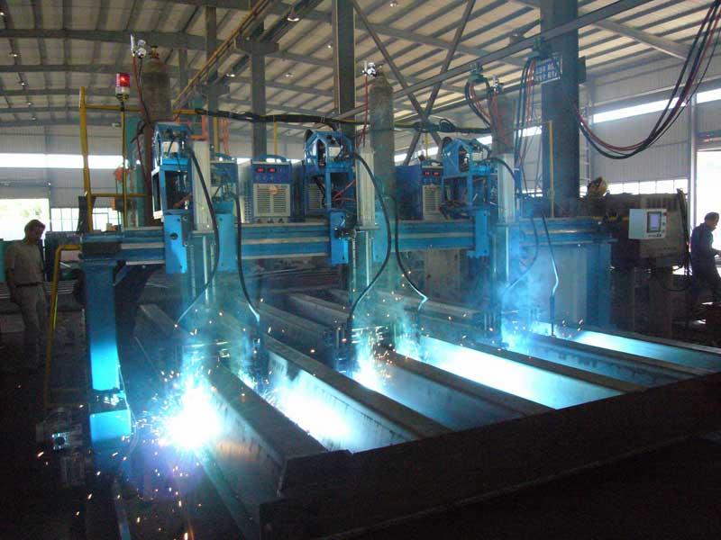 华洋电气专业生产龙门式自动焊接设备
