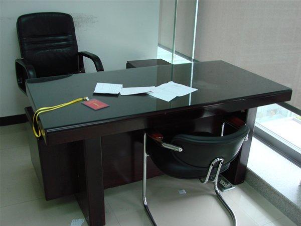 二手班台(办公桌、屏风、书柜、前台、员工椅)