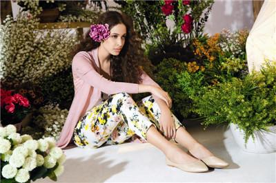 舒朗服装服饰专业提供销量最好的知名春夏女装,山东珂蕾朵姆女装