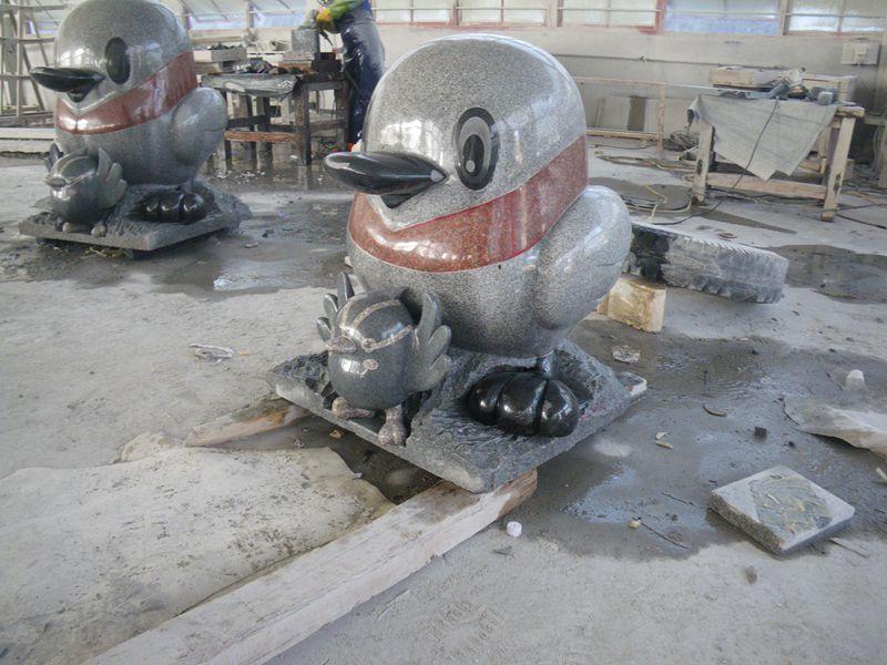 鸭子石雕设计_冠艺石材_知名的鸭子石雕经销商