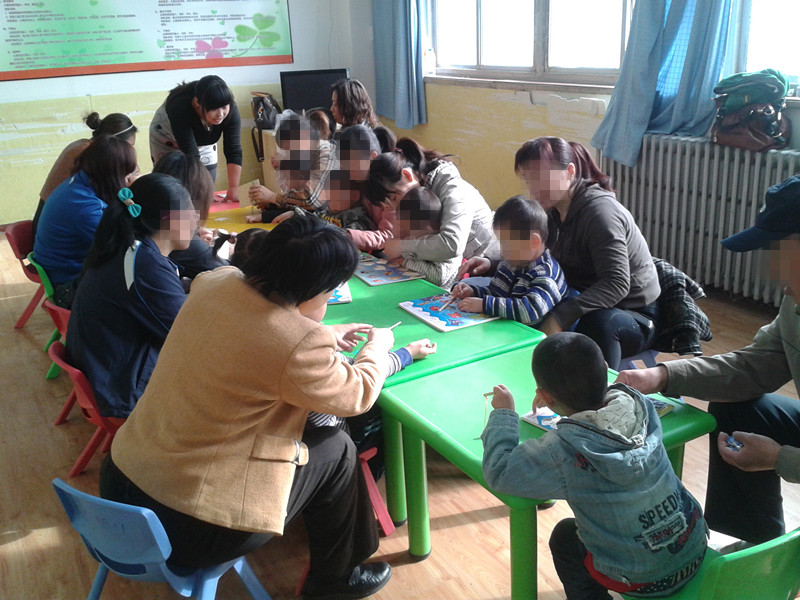 儿童孤独症个训课程康复培训心雨经验丰富效果好