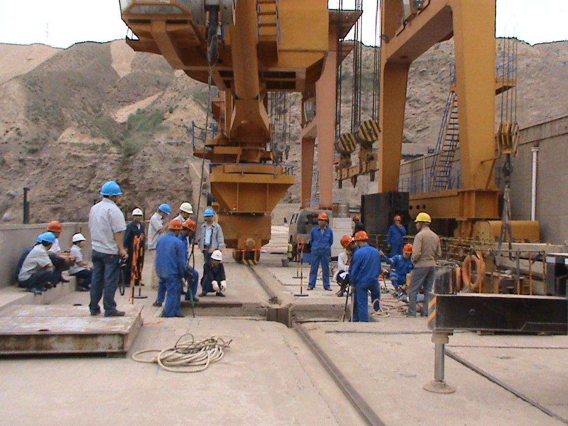 雅安清淤打捞_哪儿有经验丰富的水下焊接