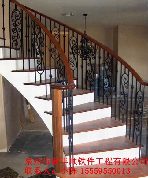 铁艺扶手楼梯图片
