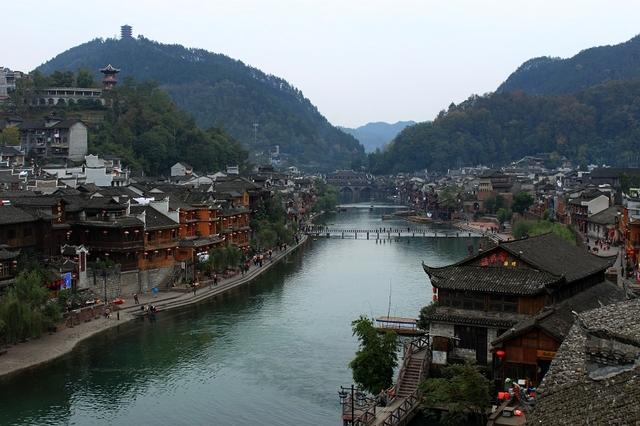 哪家公司有提供服务**的张家界旅游,中国凤凰古城旅游