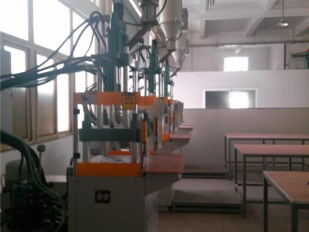 厦门专业电子配件加工-福建可信赖的立式机注塑加工公司