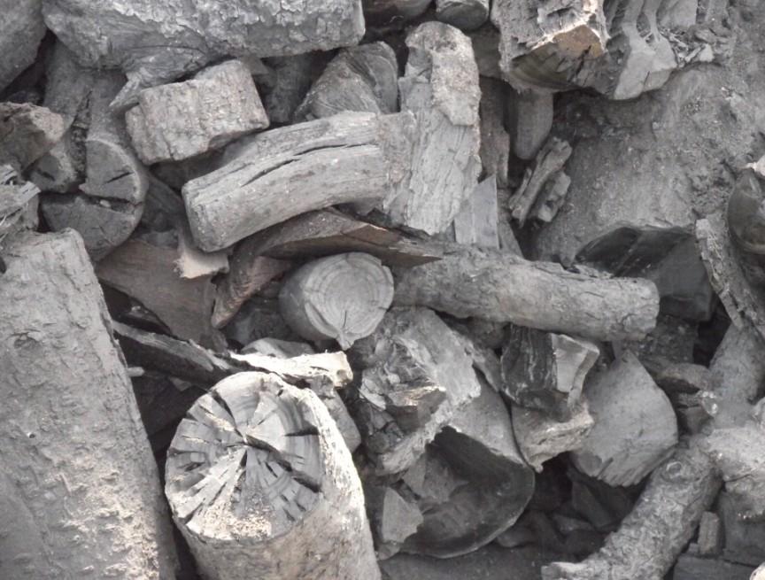 河北炼硅工业木炭的特点工业硬木炭高热量
