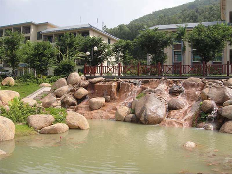 海南水景假山鱼池