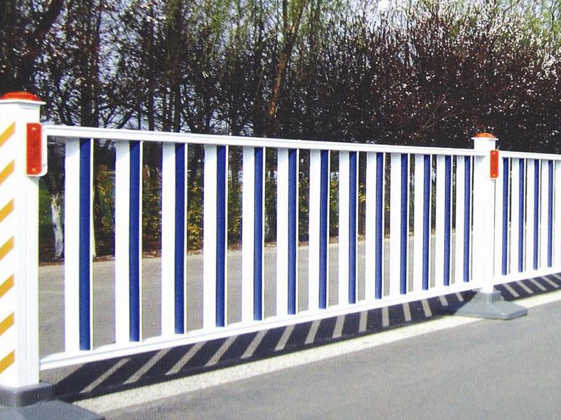 天水新型护栏|兰州哪家喷塑护栏厂专业