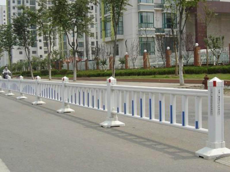 武威喷塑护栏哪家好-兰州口碑好的道路护栏供应