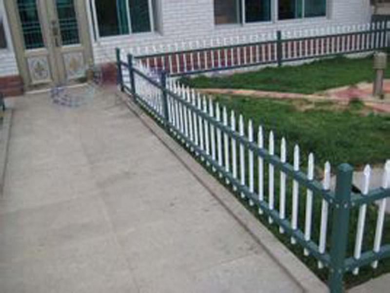 酒泉草坪护栏厂家_兰州恒欣伟业锌钢护栏厂优良的兰州草坪护栏出售