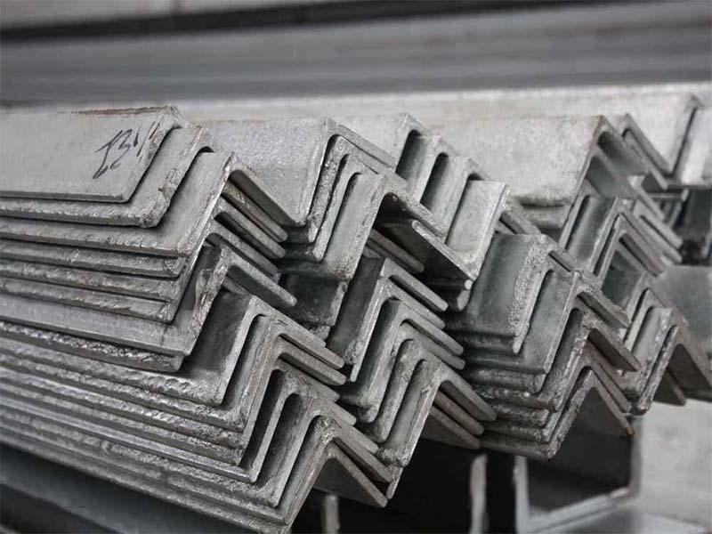 海南不错的镀锌角钢信息-冷镀锌角钢