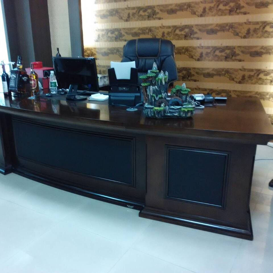 二手屏风、办公桌、会议桌、书柜、椅子、班台、老板椅