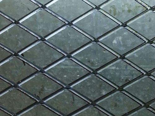 沈阳钢板网、护栏钢板网、菱形钢板网盛京厂家直销零售批发