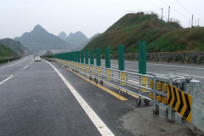 道路护栏厂家 福州欧陆提供有品质的福建道路护栏