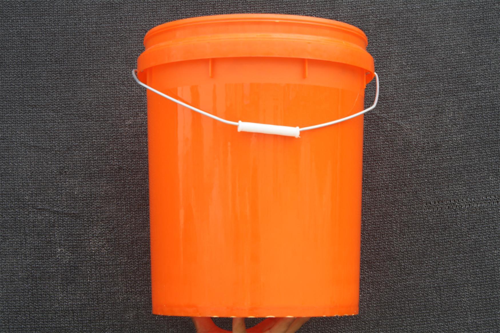 郑州机油桶价格-哪里有供应价格划算的18升机油桶