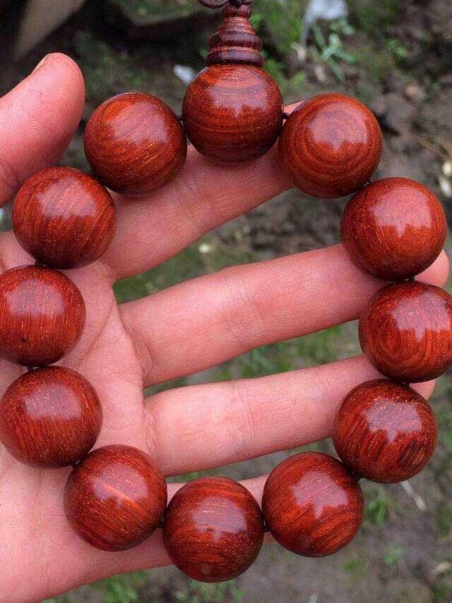 小叶紫檀鸡血红2.0手串图片