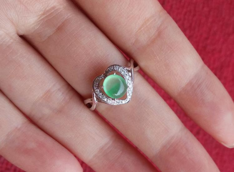 白金戒指品牌_可信赖的翡翠戒面戒指尽在有利珠宝