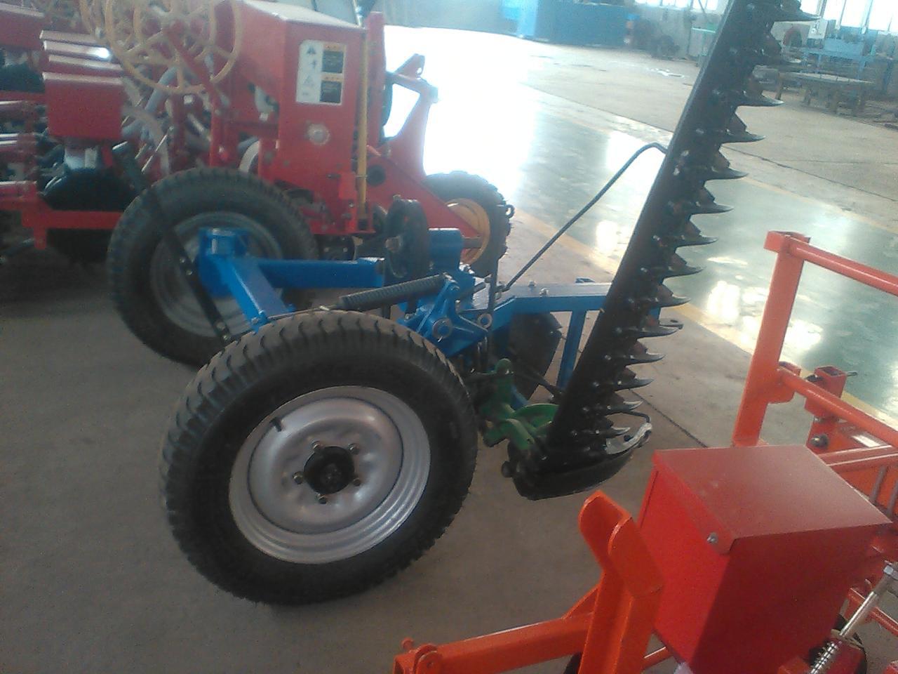 往复式胶轮割草机