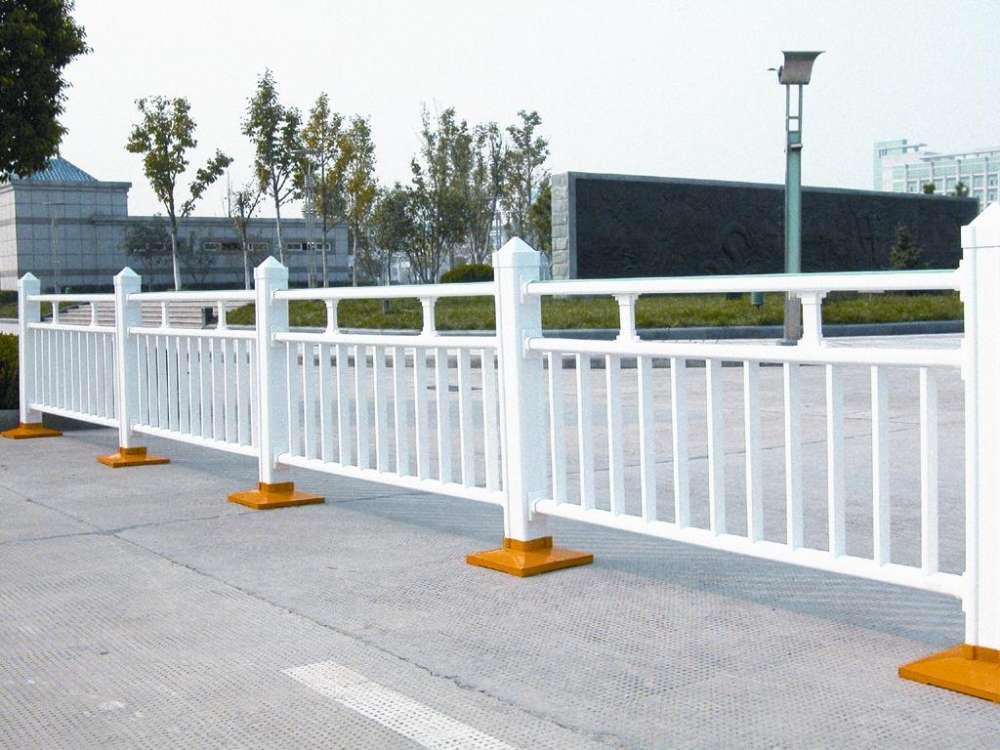 供应PVC道路护栏