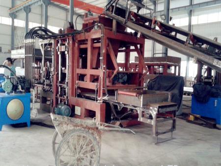 全国小型水泥砖机,厂家上门安装调试