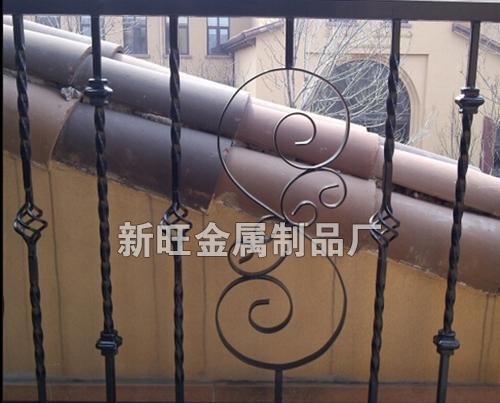 专业生产欧式铁艺围栏