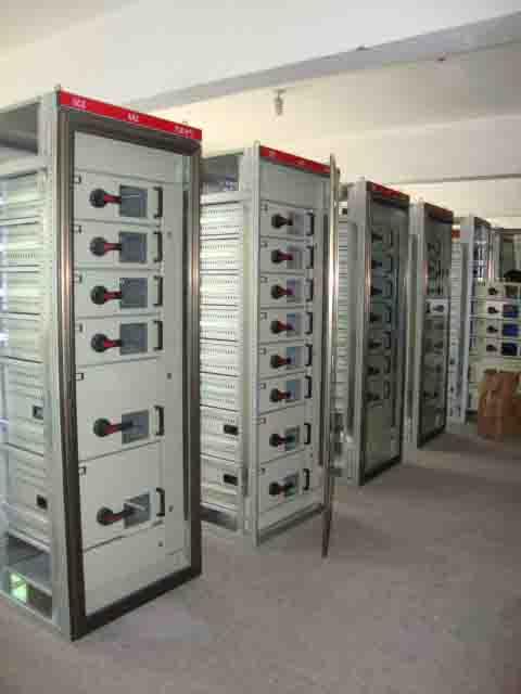万商电力设备_专业的GCS低压柜公司 新式的GCS低压柜