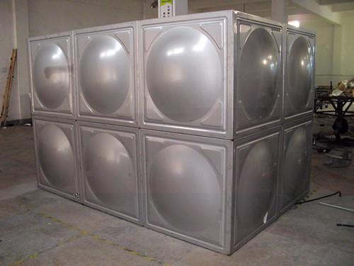 甘肃无塔供水器——上等水箱长多水箱供应
