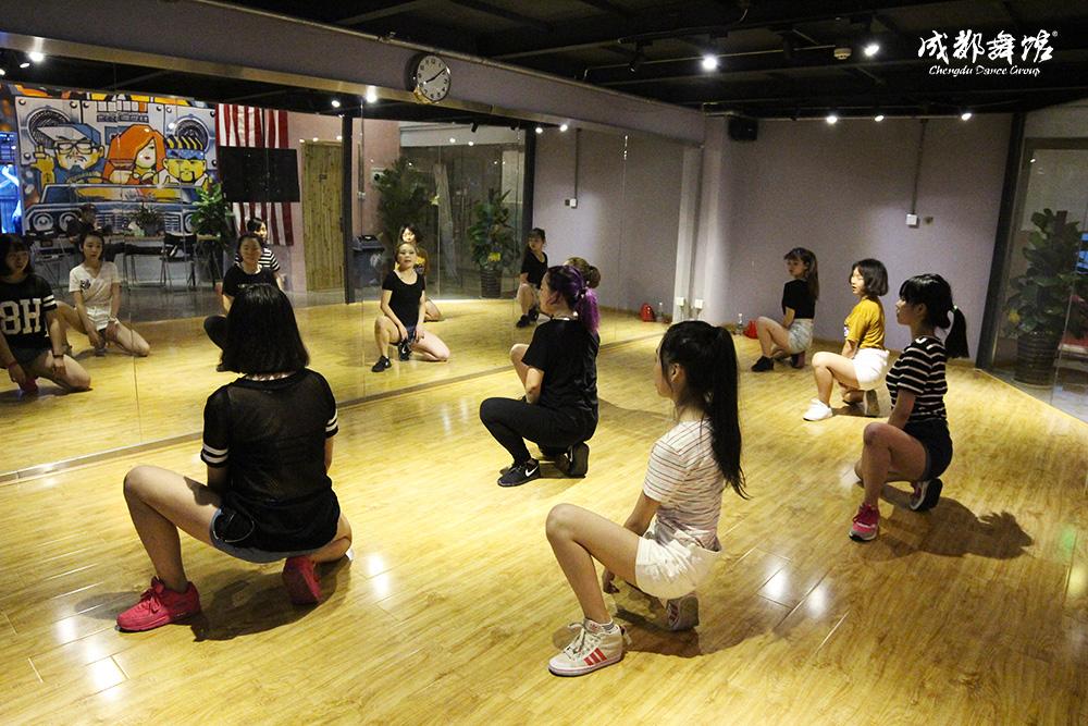 成都影响力街舞/爵士舞培训机构 【成都芮孚街舞培训】