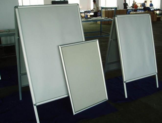电梯广告框铝型材代理加盟|要买优质电梯广告框铝型材,就来恒本铝材厂吧
