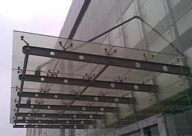 人行道玻璃罩棚工程-上哪里买玻璃罩棚好