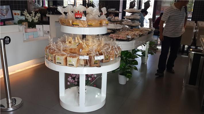 哪家蛋糕出炉柜品质好 云南蛋糕展示柜销售