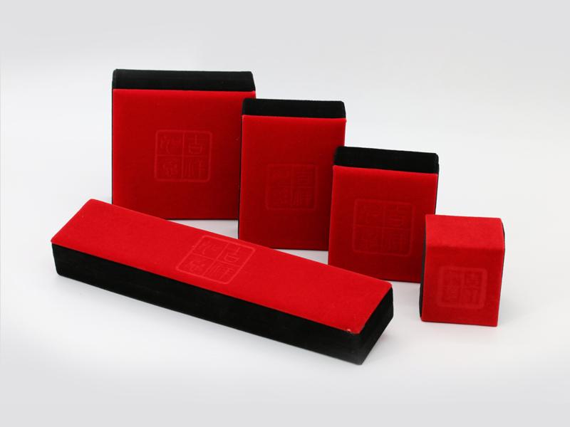 广东好的植绒布首饰盒推荐,东莞珠宝盒厂家