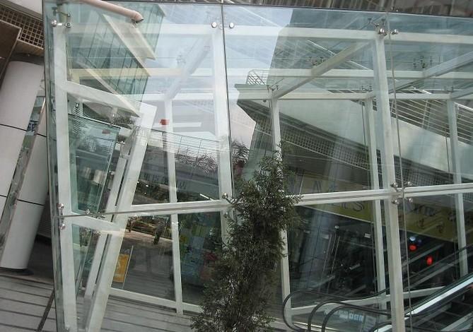 九河广告装饰提供的钢构幕墙怎么样——德州冲孔字