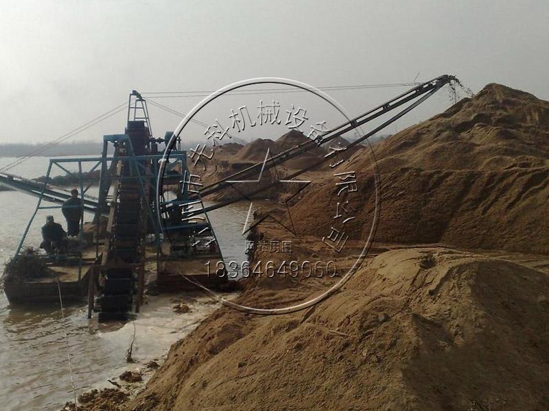 链斗式挖沙船采沙设备价格——青州先科机械