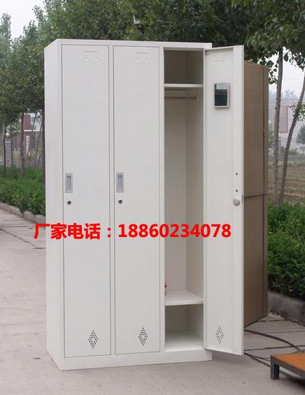 联华厂家直供三门更衣柜 产品终身维护