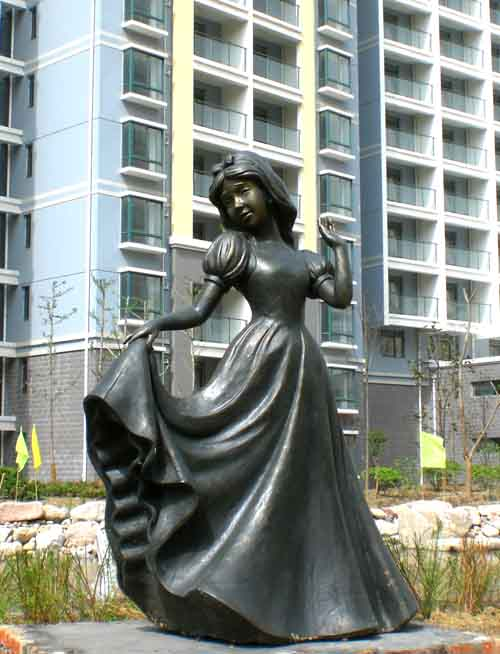 玻璃钢雕塑 景观人像雕塑制作-258.com企业服务平台