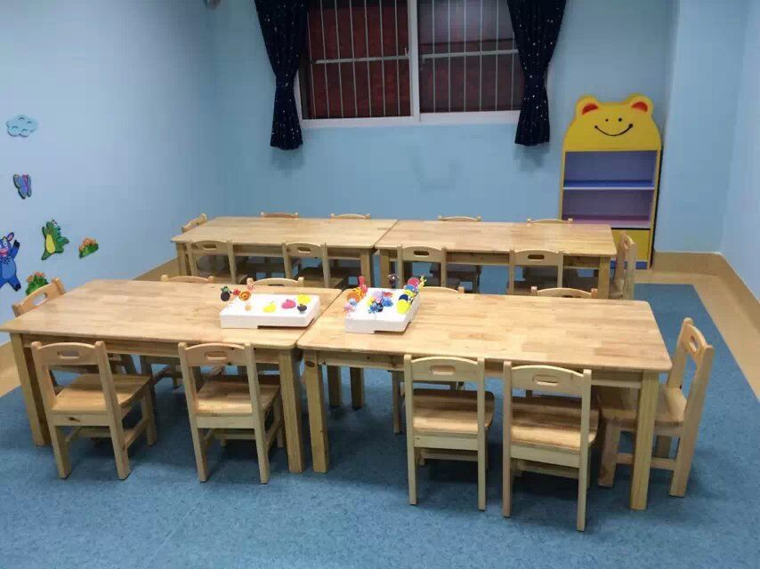 课桌椅 学生课桌椅 幼儿实木课桌椅厂家