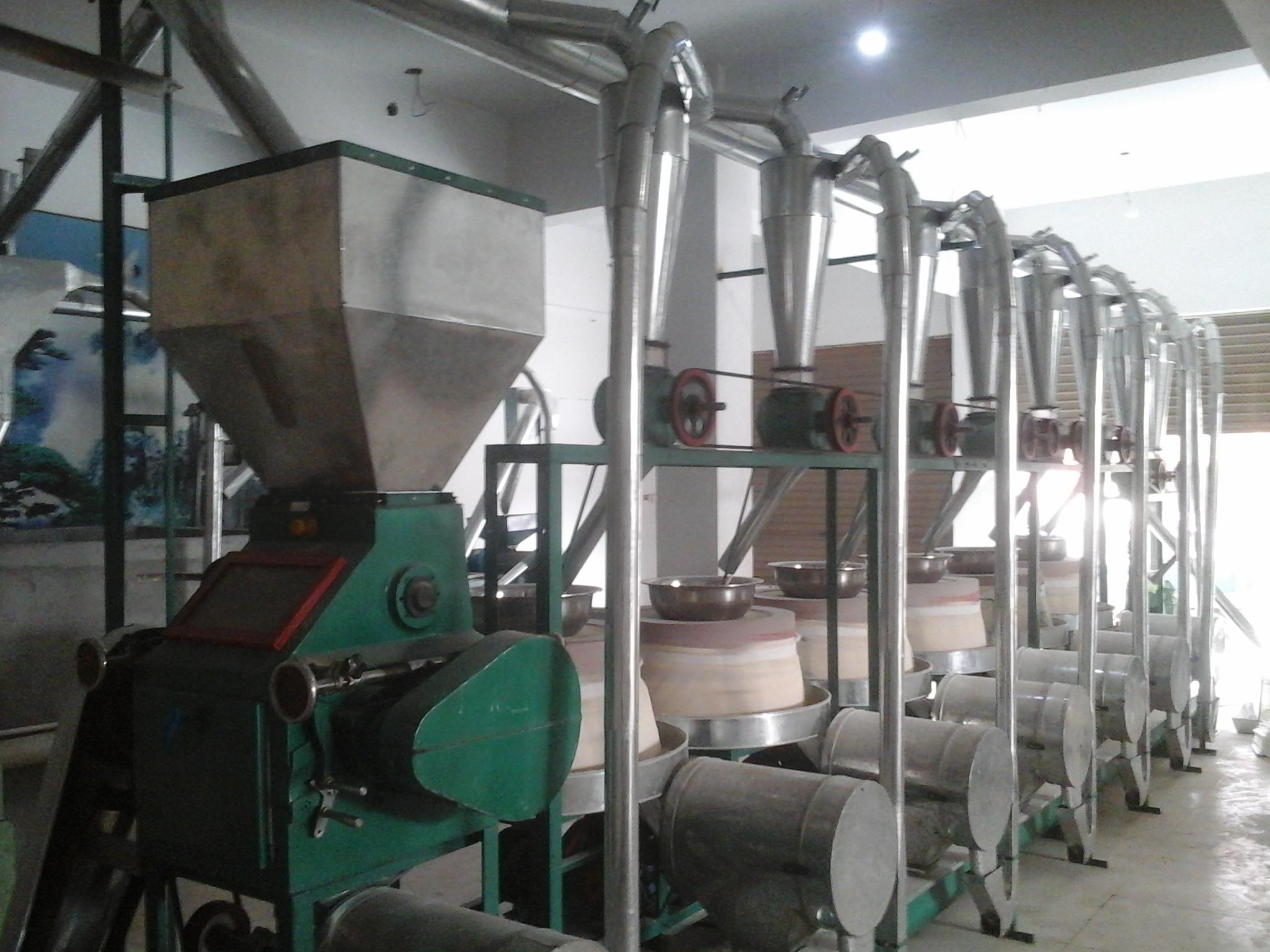 甘肃石磨面粉加工设备_洛阳哪里有高质量的石磨面粉机组