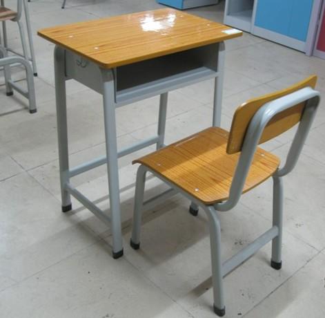 南寧單人課桌椅哪里有賣-廣西銷量好的學生課桌椅生產廠家