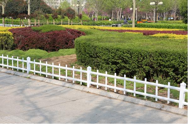 草坪護欄定制廠家_價格優惠的草坪護欄哪里有供應