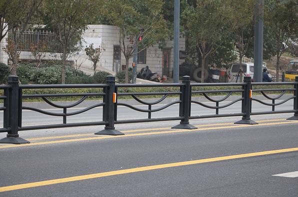 福州交警护栏_性价比高的道路护栏就在宏辉金属制品