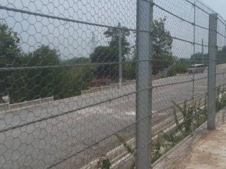 高速铁路防异物入侵刚性防护网